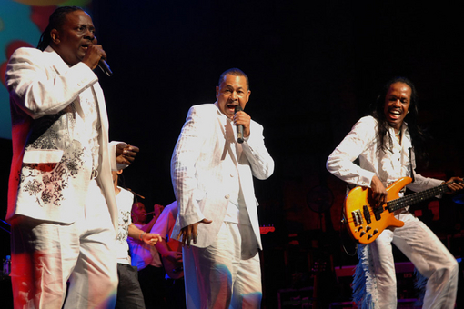 Earth Wind & Fire Toronto Tickets