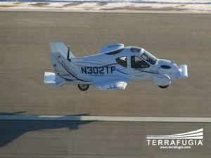 first_flight_chase_plane_400w
